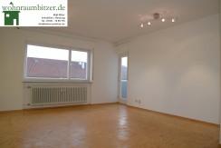 Sonnige, ruhig gelegene 3 Zimmer Wohnung mit Südbalkon und Stellplatz