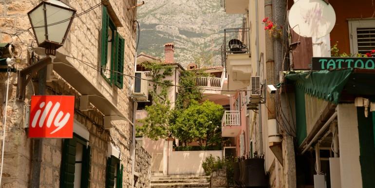 1 Blick auf Café und Berg wohnraumbitzer