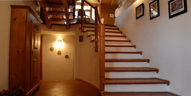 1 Eingangsbereich Unten Groß wohnraumbitzer.de