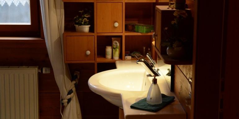 13 Waschbereich Holzhaus wohnraumbitzer.de