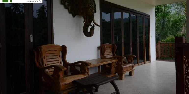 Balkon Erster Stock Villa Deko Bild 2
