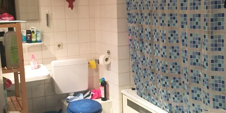 8 Badezimmer