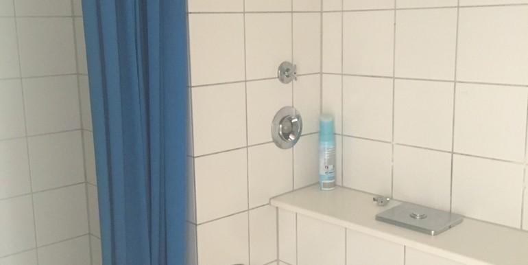 1 Zimmer Wohnung in Fachhochschule Ebingen zu verkaufen Dusche