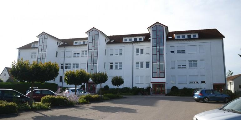 Winterlingen 3 Zi Wohnung mit Balkon Heckseite