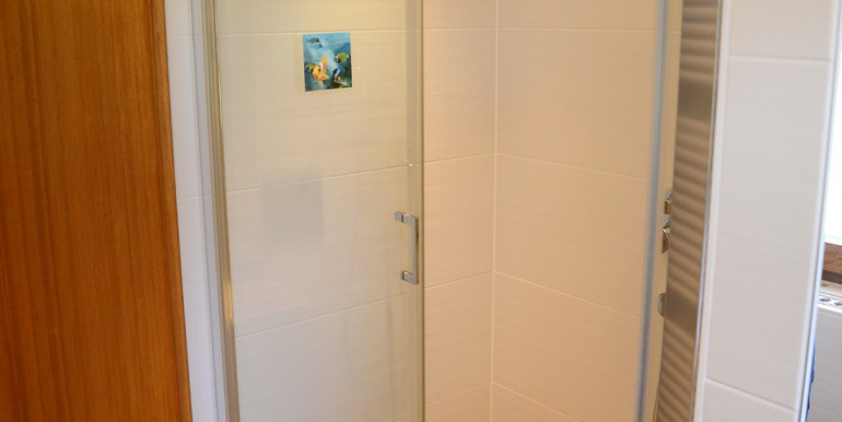 21 Bodentiefe Dusche Onstmettingen