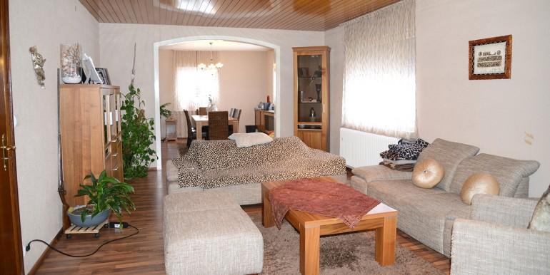 Wohnzimmer Zweifamilienhaus Tailfingen zu verkaufen