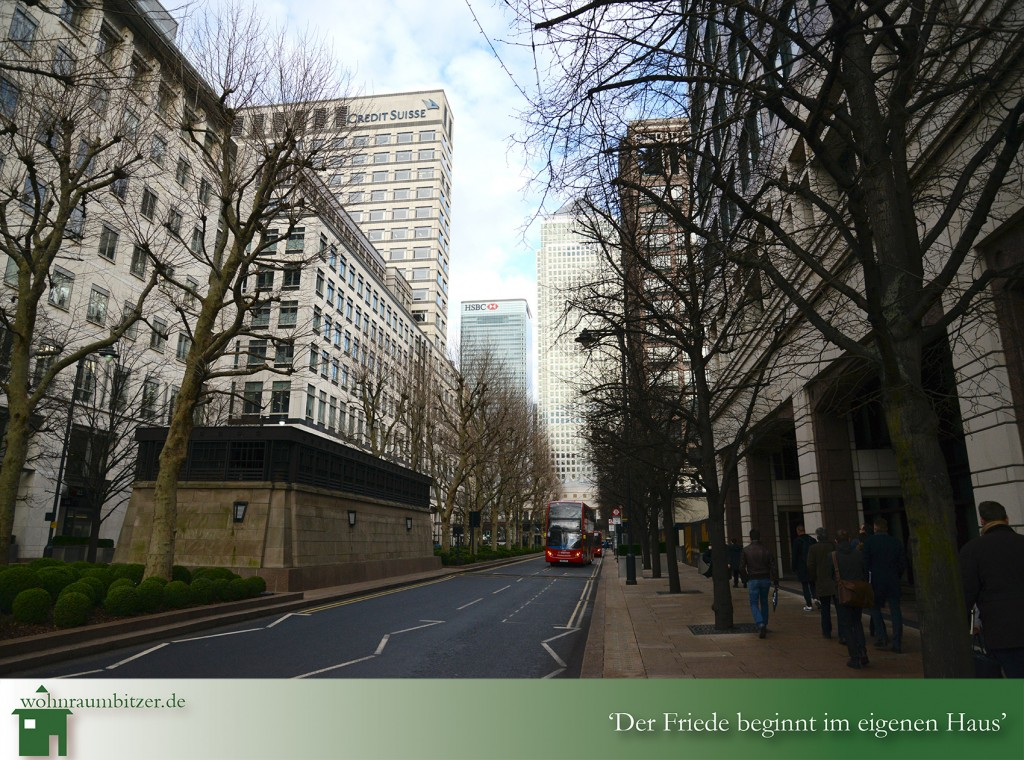 LONDON'S CANARY WHARF- THE ONE PARK DRIVE ESTATE 1